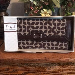 NWT Fossil Signature Wallet